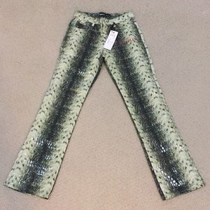 Pants - NWT green crock look pants size 7/8